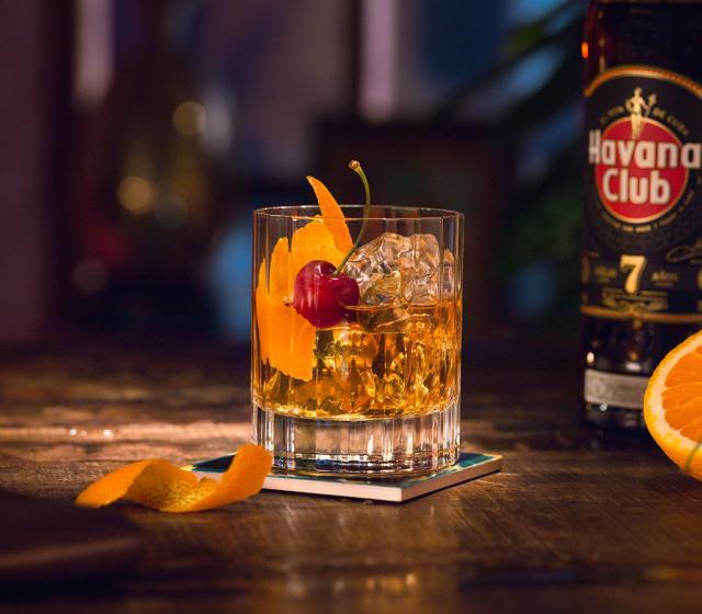 алкогольный коктейль к празднику - шаг к алкоголизму