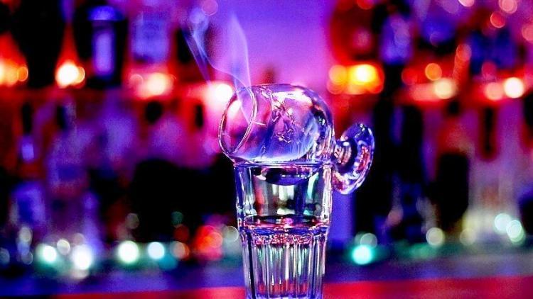 опасность горячих алкогольных коктейлей