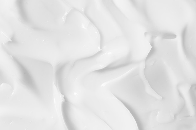 выбор крема для обработки кожи
