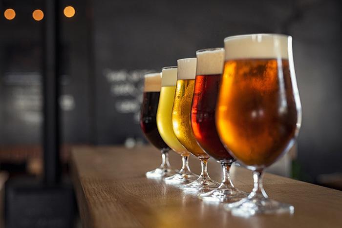 bokali-s-pivom
